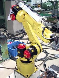 スポット溶接用ハンドリングロボットシステム(FUNUC製ロボット使用)